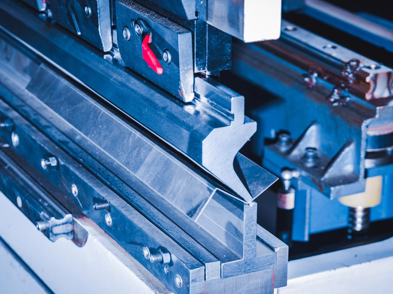 Процесс гибки листового металла