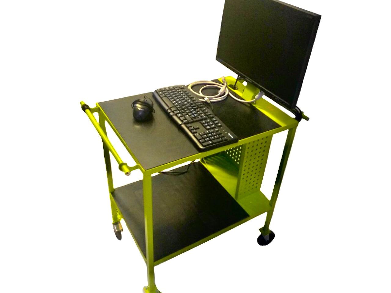 Металлический стол на колёсиках с кронштейном для монитора